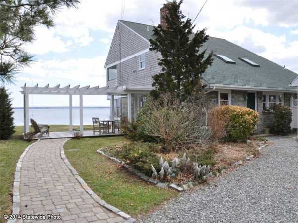 Homes for Sale in North Kingstown RI Shore Acres Neighborhood